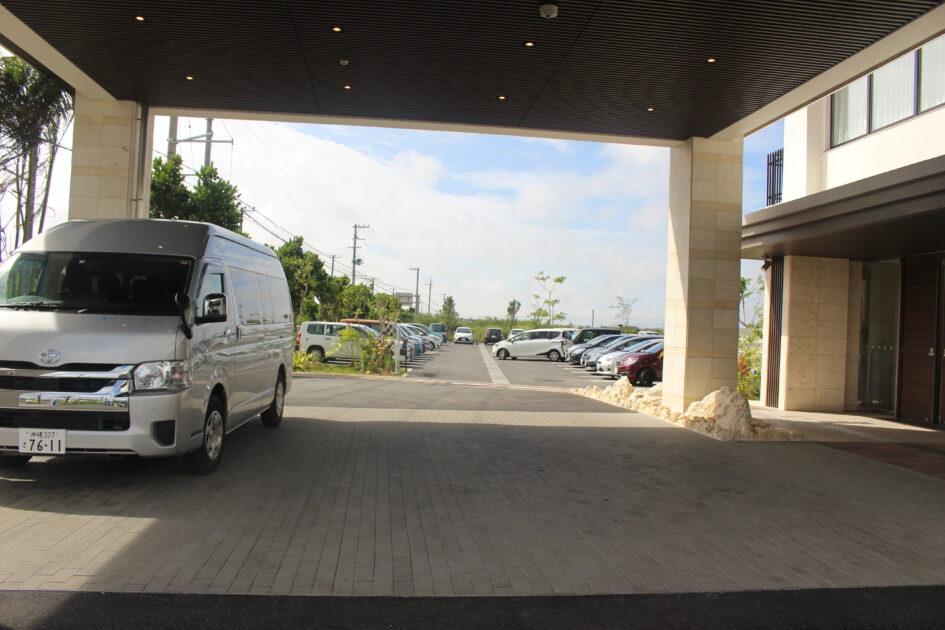 ホテルトリフィート宮古島リゾート エントランス